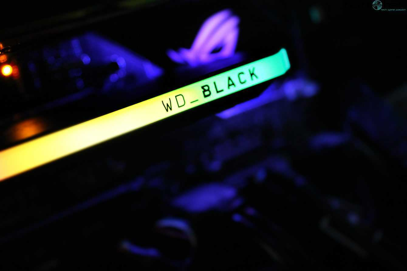 WD BLACK AN1500 review: do you really need PCIe 4.0?