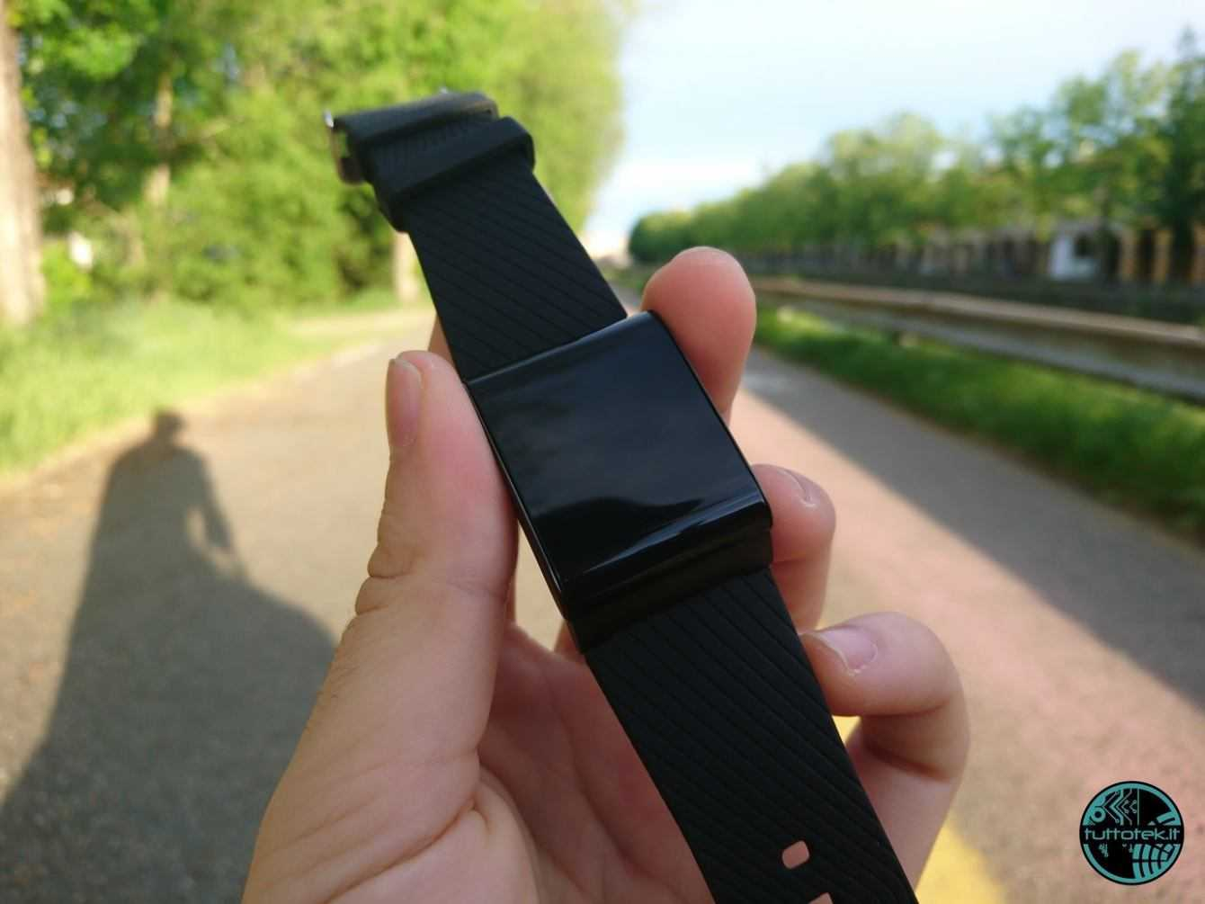 X9 Plus Smartband Review: Saving is not always good