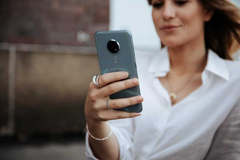 For one in four Italians, their smartphone deteriorates over time