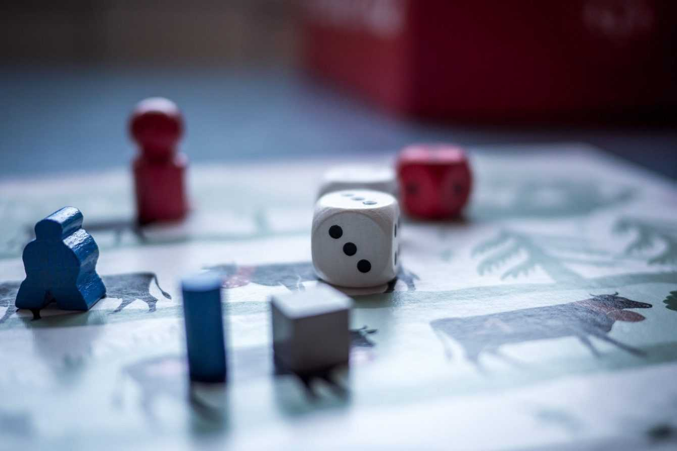 Thanks to these platforms today we can play our favorite board games online