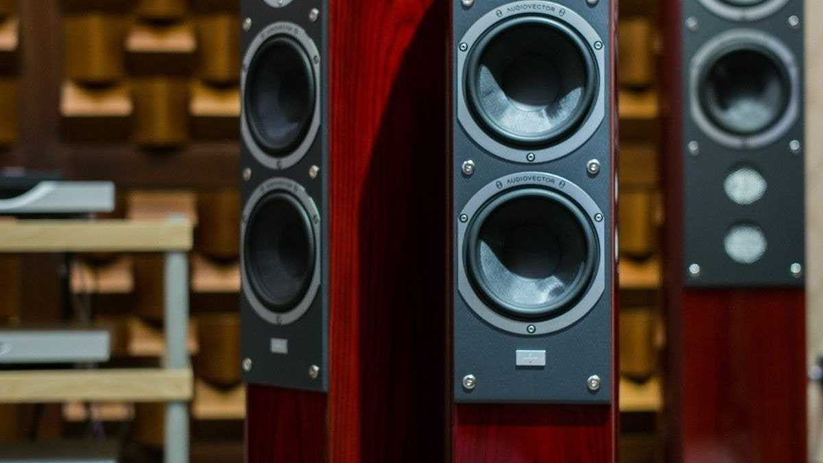 What is the difference between Hi Fi and home theater?