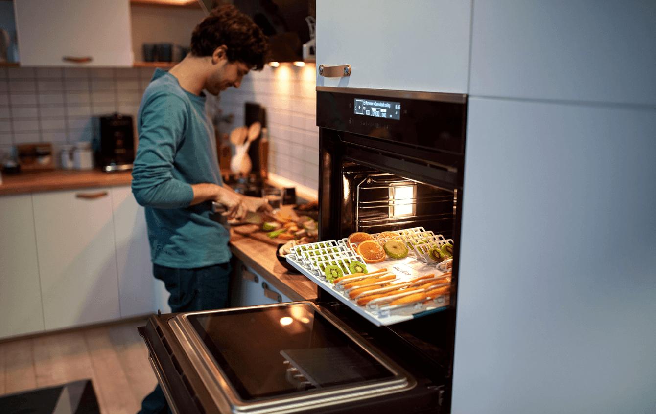 Beko Multifunction Kitchen FSR61410GXDF: a pizza in 5 minutes!