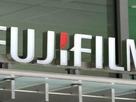 FUJIFILM offers live view with two important realities