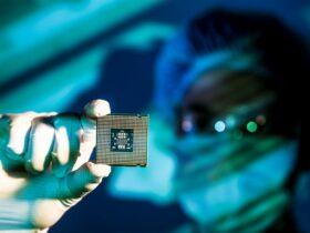 Intel produrrà alcuni chip di Qualcomm thumbnail