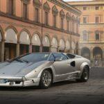La leggendaria Lamborghini Countach sta per tornare 50 anni dopo: sarà ibrida con 800 CV e trazione integrale thumbnail