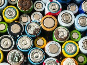 Ogni giorno gettiamo nella spazzatura 78 milioni di batterie thumbnail