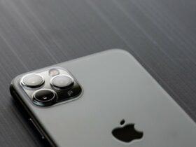 Un brevetto anticipa un iPhone con fotocamera periscopica motorizzata thumbnail