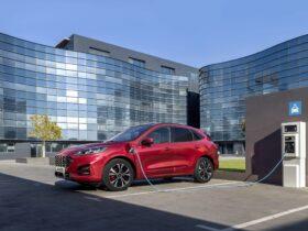 Ford Kuga PHEV è il Plug In Hybrid più venduto in Europa nel primo semestre 2021 thumbnail
