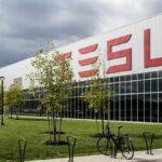 Tesla risarcisce un dipendente per insulti razzisti thumbnail