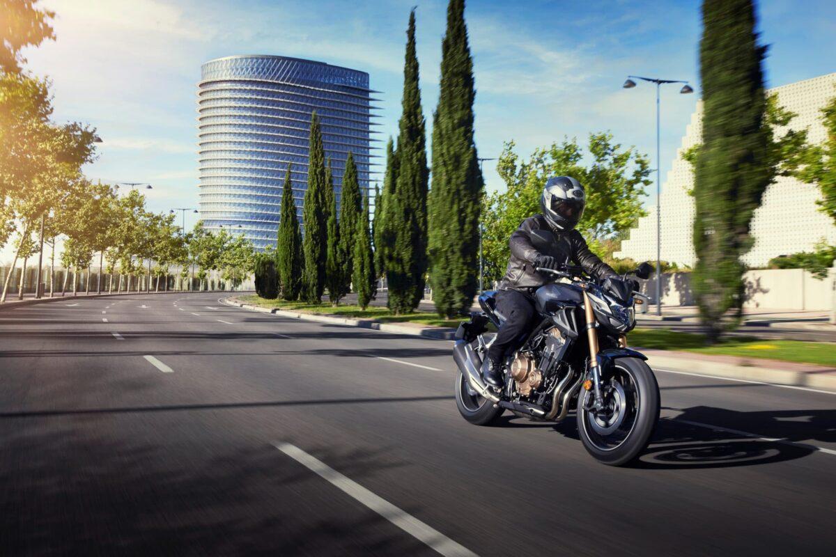 Honda CB500F, CBR500R, CB500X: in arrivo importanti aggiornamenti e nuove prestazioni thumbnail