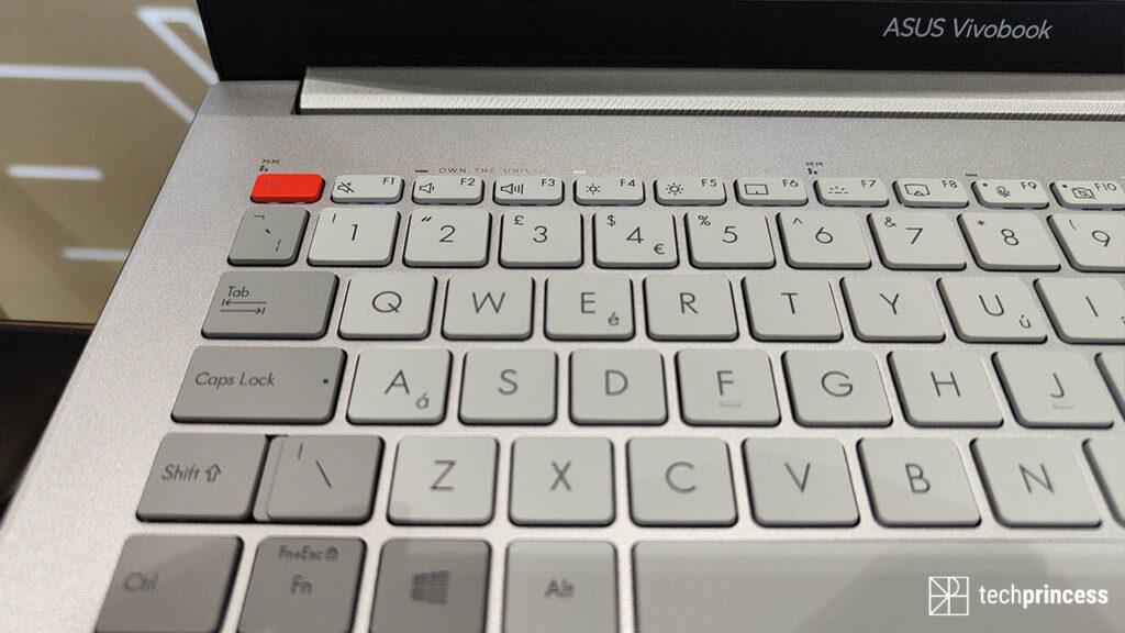 ASUS Vivobook Pro 16X keyboard