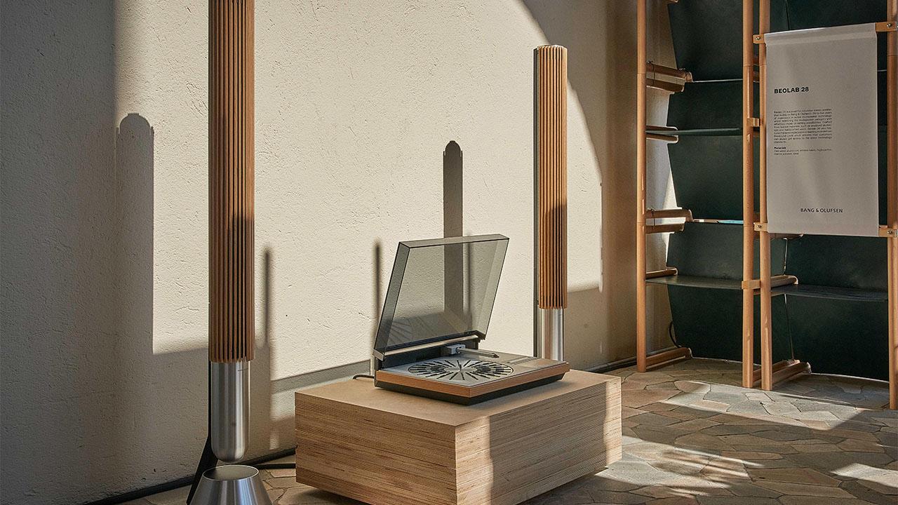 Bang & Olufsen, il passato incontra il presente alla Milano Design Week 2021 thumbnail