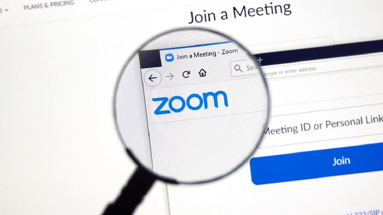 Zoom annuncia l'arrivo della traduzione simultanea thumbnail