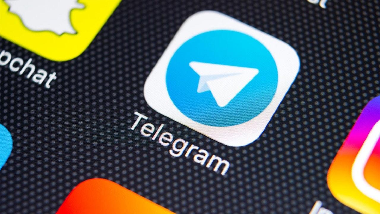 Telegram oscura Basta Dittatura, il canale no vax thumbnail