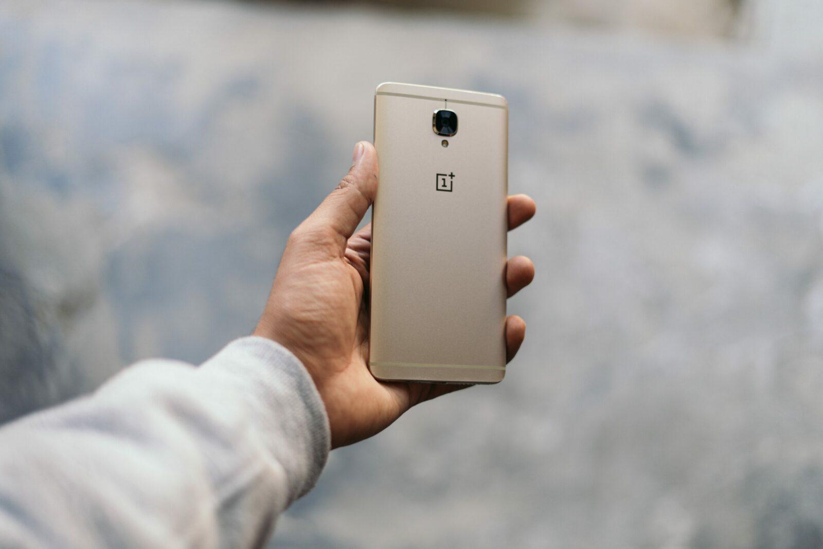 Alla scoperta dei vantaggiosi servizi OnePlus thumbnail