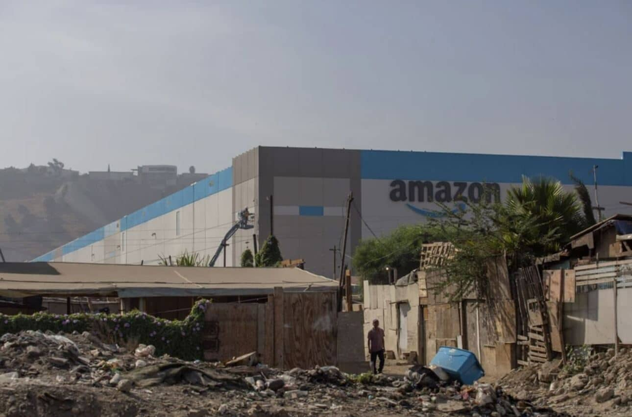 Amazon e il magazzino nella baraccapoli di Tijuana: un luogo strategico thumbnail