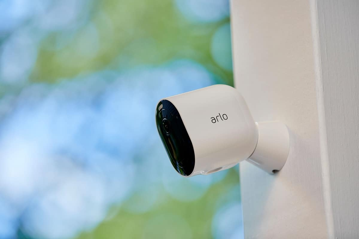 Le soluzioni di sicurezza di Arlo per proteggere la casa thumbnail
