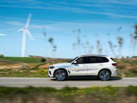 BMW iX5 Hydrogen sarà presente alla IAA Mobility 2021 thumbnail