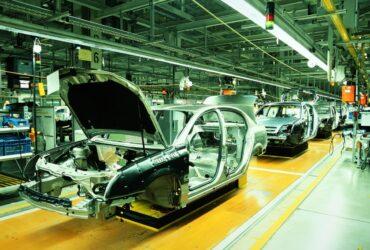 La crisi dei chip sta causando perdite miliardarie ai produttori di auto thumbnail