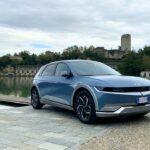 Hyundai Ioniq 5, la nostra prova: oltre alle forme c'è (molto) di più thumbnail