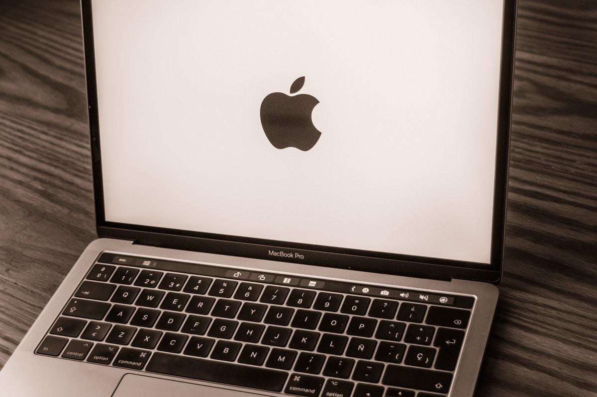 Nuovo evento Apple del 18 ottobre: MacBook Pro con M1X tra le novità thumbnail