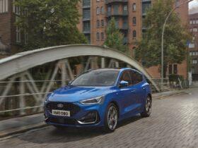 La nuova Ford Focus debutta con uno stile ancora più innovativo thumbnail