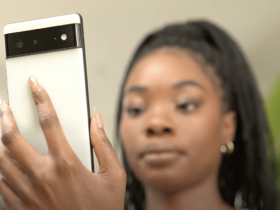 "Google e Snapchat presentano la funzione ""Quik Tap to Snap"" su Pixel 6 thumbnail"