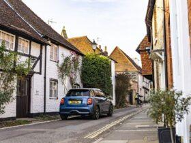 MINI Cooper S 5 porte: un viaggio attraverso il West Sussex thumbnail